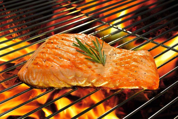 الأطعمة التي يوصي بها أخصائيو التغذية لتخسيس الوزن بسرعة (وأمان)