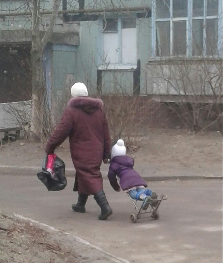 23 أباً وأماً أبدعوا في حلّ مشاكل رعاية الأطفال